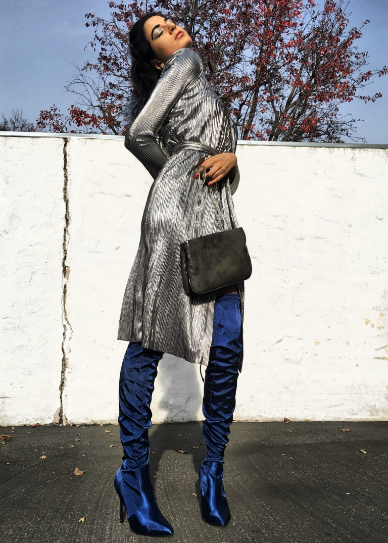 Zara Dress, Zara Daily, OOTN, 2018 Goals, Fashion Blogger Italia, How to wear metallic, #Ltkunder100, Like to Know it, Over the knee boots, Winter style 2018, January 2018 style, 2018 resolutions, silver dress, cocktail dress, Fashion Blogger De, Bloggeuse, Paris, San Francisco Fashion, Zara Addicted, Zara Obsessed,  Zara TRF, Zara Daily, Zara_daily, Paris Street