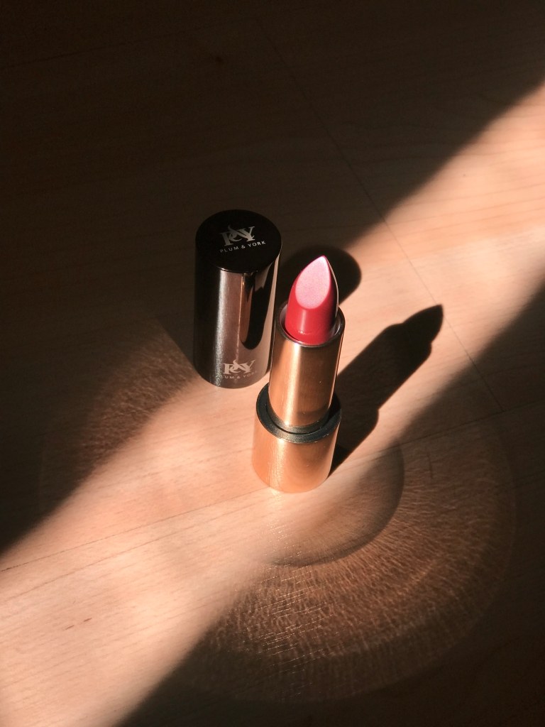 Plum and York, Vegan Luxury Lipstick, Best Luxury Lipstick, How to wear red lipstick this summer,