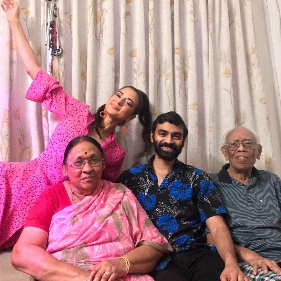 Desi Girl, Indian Grandma, Bangalore Fashion, Indian Family, Saree Fashion, Happiness and Family, Relationships
