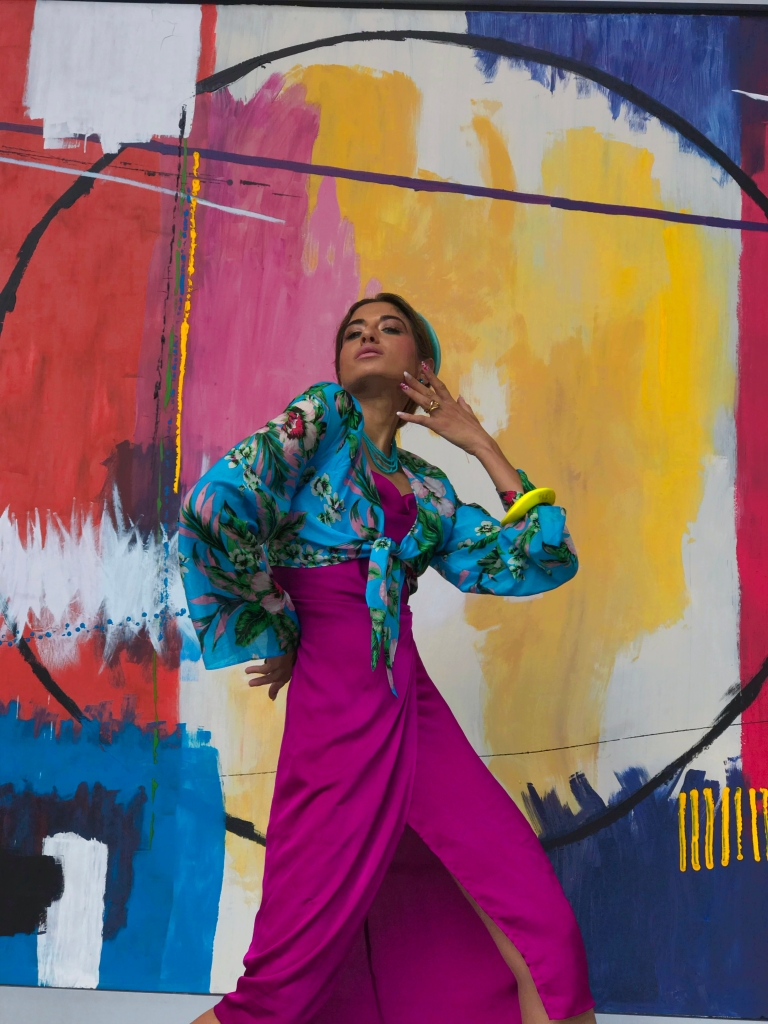 Asha Raval, San Francisco Style, Fashion Blogger San Francisco, Fashion Model, Mixed Race Model, How to handle Stress, UX Designer San Francisco, Living a Creative Life, DvF Crop Top, Salesforce Park SF, Fashion and Art, San Francisco Mural, SF Public Art, San Francisco Art Fashion
